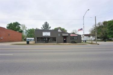 821 W Main St, Henryetta OK 74437